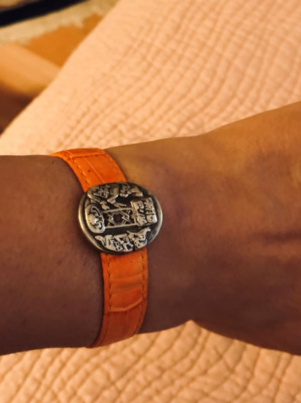 "Brand new genuine leather - sterling silver Mayan ""Musuem"" bracelet - matching earrings and ring  770e26b8-741b-4ed6-bf75-1650b4f7c1b3"