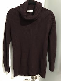 abercrombie sweater - medium  Delta, V4C 4H4