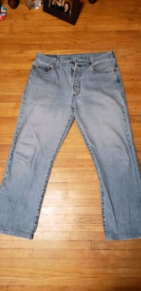 Mens Levi 305 Button Fly Jean's  Calgary, T2B 1S8