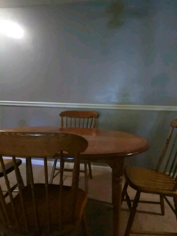 Dining Table with removable leaf.