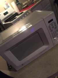 white and gray microwave oven Tucson, 85711