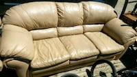 white leather 3-seat sofa Palmdale, 93550