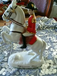 white and red ceramic horse figurine Woodbridge, 22191
