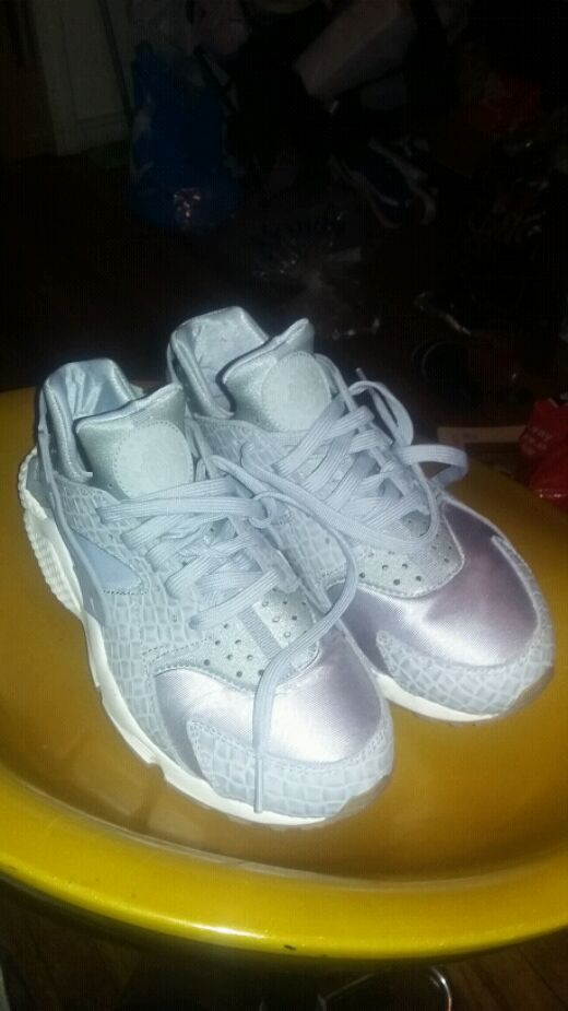Nike Used Gray Huaraches for sale in