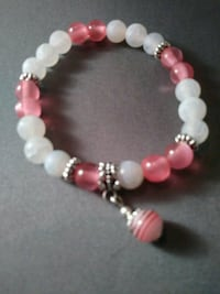 Pink n white dangle beaded bracelet Nashua, 03060