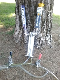 4 pro beer taps(think its 4) Bakersfield, 93306