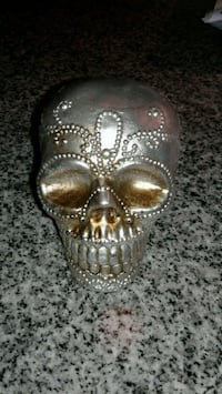 Small Skull Table Decor