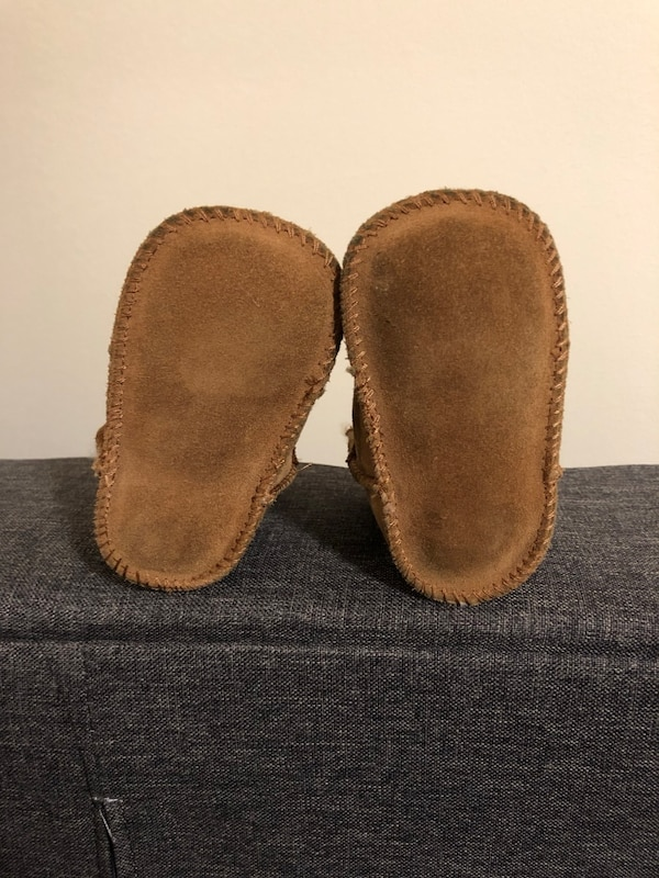 Baby Uggs a9add780-157d-42bf-8806-9c8b686665d4
