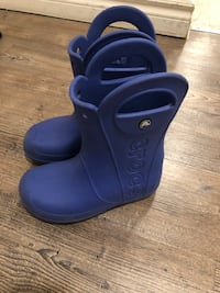 Crocs rain boots size 1 kids London, N5X 4G2
