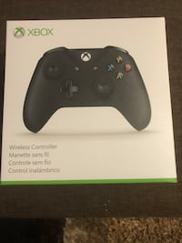 Xbox One Wireless Controller (Model 1708: Works with Xbox and PC) 50 km