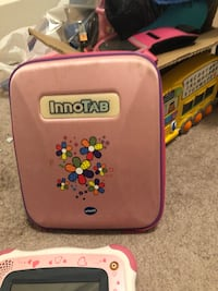 Innotab 2. 4 games and carrying case. Calgary, T3A 2R7