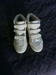 FabKids white sneakers for youth boys;size(4)