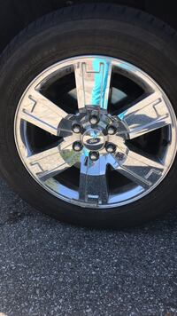 Tire Rim Ford Expedition