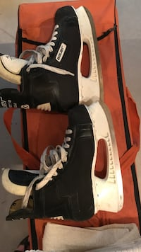 Men's 9 1/2 Bauer hockey skates, only been used a handful of times. Great condition Plainfield, 60585