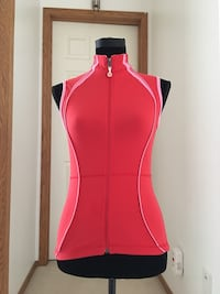 Authentic Lululemon vest/ yoga top Size M Calgary, T2Y