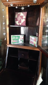 brown wooden glass display cabinet Taneytown, 21787