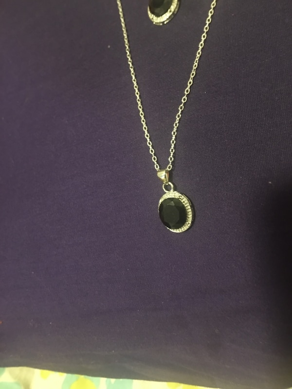 Silver chain link necklace with pendant ede4abe2-da32-44c4-8db4-9d4d6f6a354b