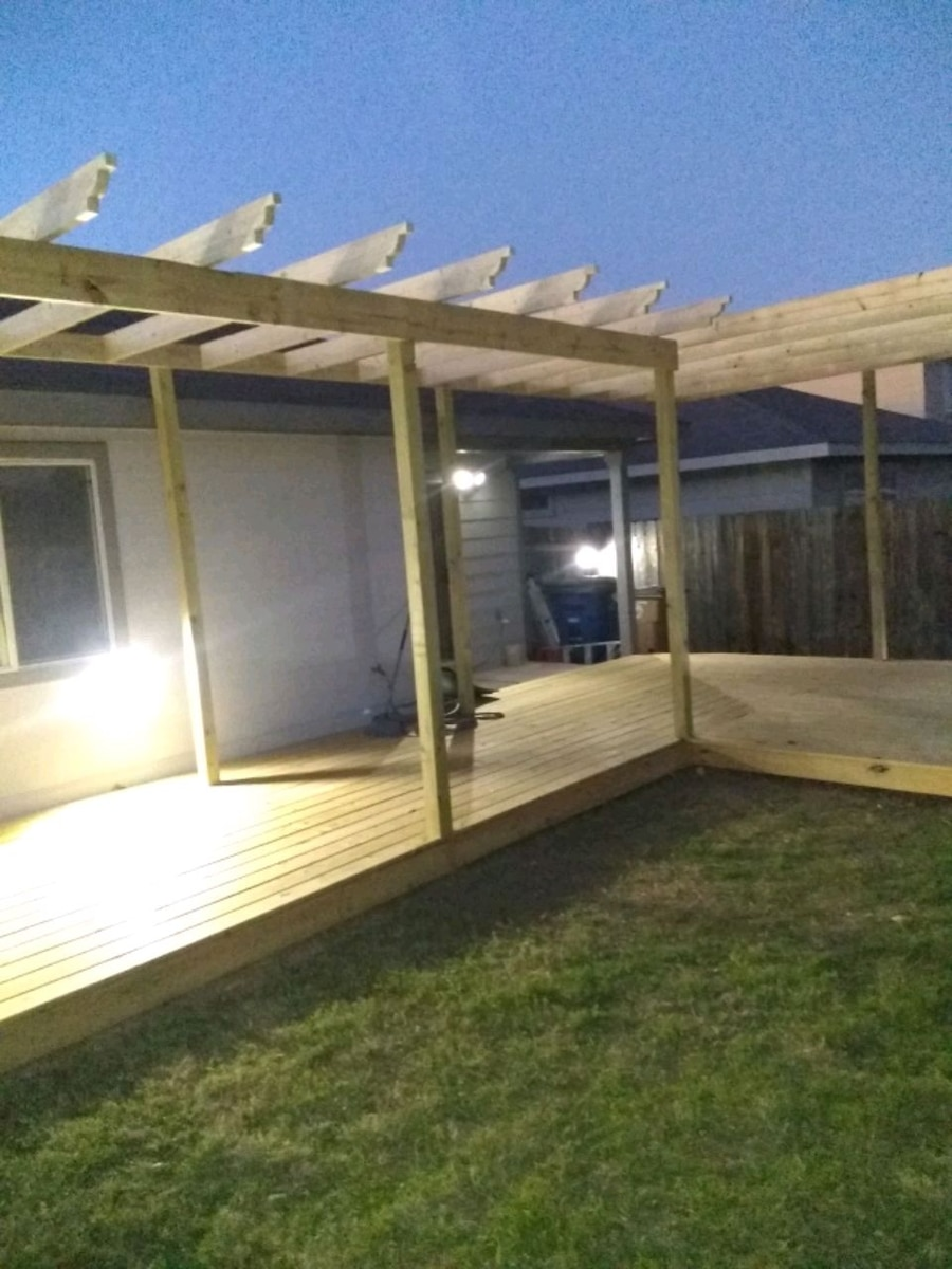 Photo Custom made decks, pergolas, covered awnings, storage sheds etc..etc