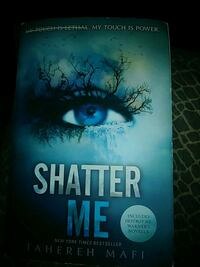 Shatter Me by Tahereh Mafi book Montréal, H3S 1J2