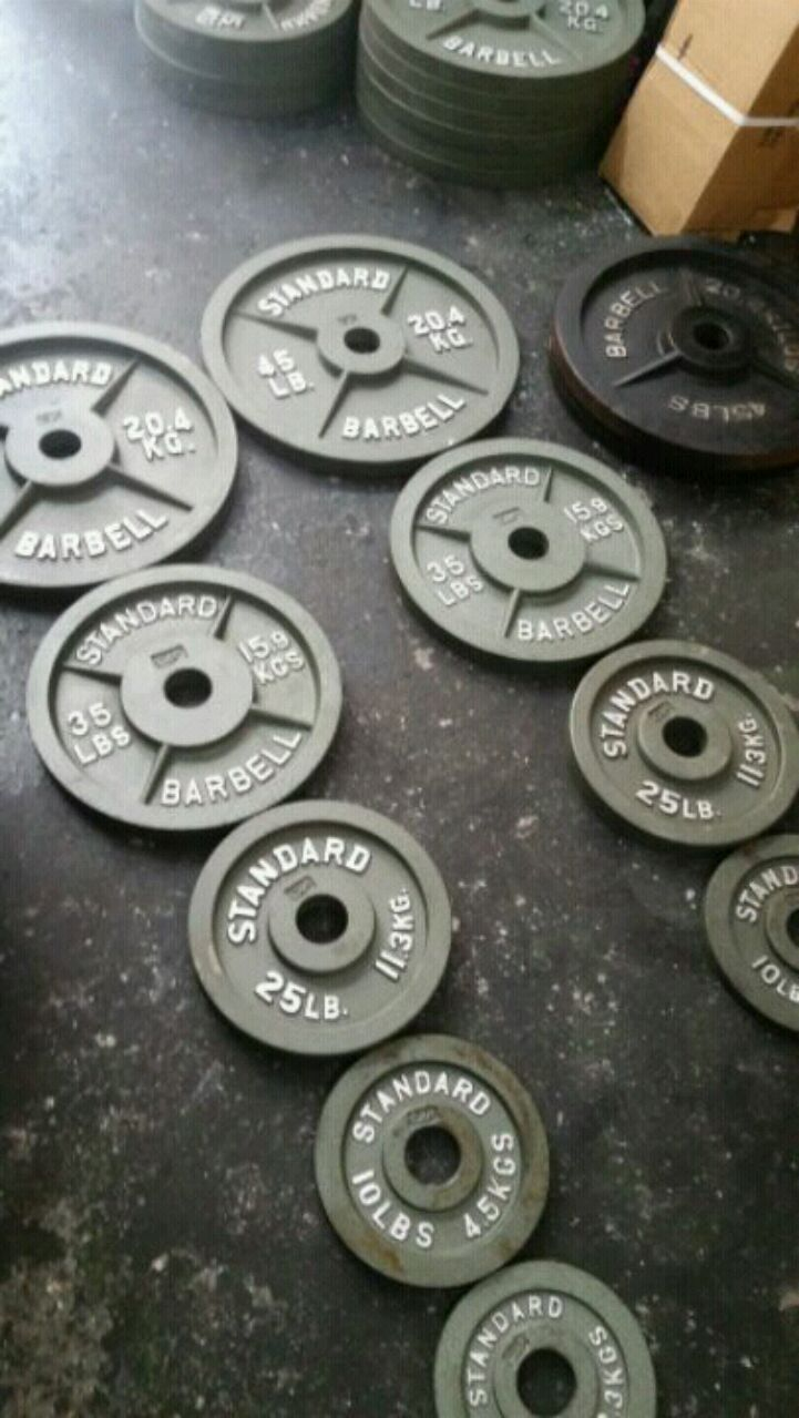 240LB OLYMPIC WEIGHTS PLATES SET & Used 240LB OLYMPIC WEIGHTS PLATES SET for sale in Queens - letgo