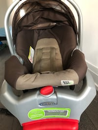 Graco car seat with base Vaughan, L4L