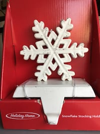 Beautiful, brand new rustic snowflake stocking hanger.  2 available . San Marcos, 92078