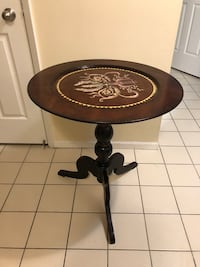 Beautiful handmade table with character. Bought at an auction for big bucks Toronto, M5G 0B8