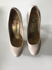 Guess nude heels size 6 1/2 Mississauga, L4Z