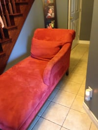 Red Fabric Lounger