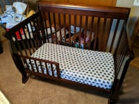 Baby Crib and Toddler Bed Combo