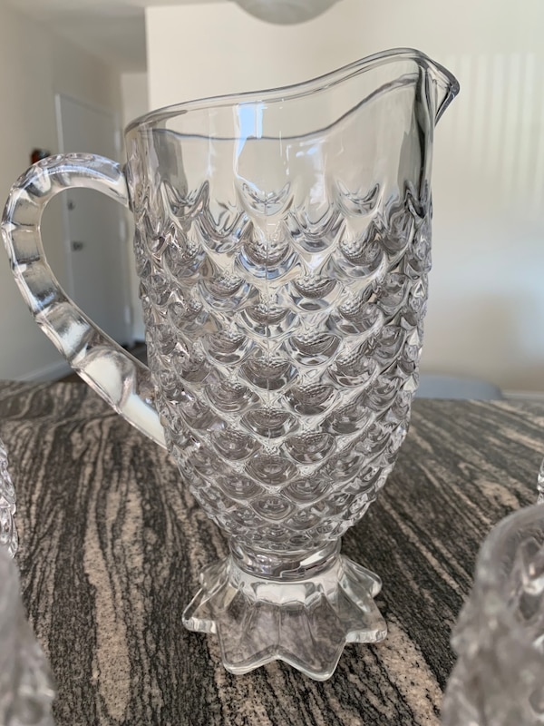 pineapple shape water pitcher with 6 glasses 36876435-2235-42c0-9d50-c9e832c9856e