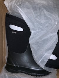 Bogs Boys Size 12 and 13 Brand New In box Brampton, L6X 4T3
