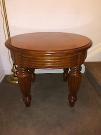 Solid wood decorative end table (1)