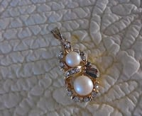 silver-colored and white pearl pendant Rougemont, J0L 1M0