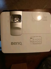 Benq W1070 HD 1080P projector  Pickering, L1V 3V6