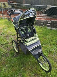 black and green jogging stroller Toronto, M5T 1M3