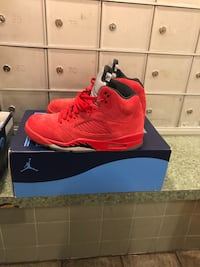 Size 8.5 $180 worn 2 times. Or trades in size 9-9.5 New York, 10452