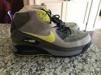 gray-and-black Nike Air Max shoes Upper Marlboro, 20774