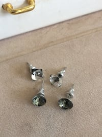 Stud earrings Edmonton, T6E 0N7