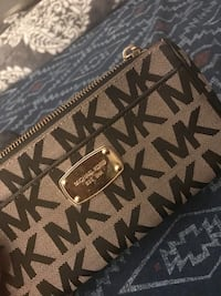 Michael Kors Clutch. Like new condition