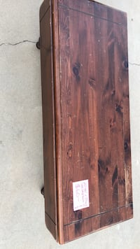 Brown wooden coffee table Fresno, 93720