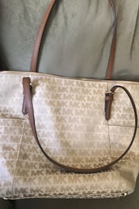 MK purse like new
