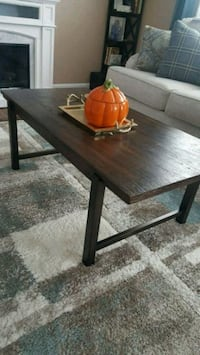 wooden coffee table , with 2 side tables Hamilton Township, 08690