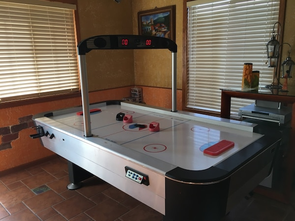Used SPORTCRAFT Turbo Air Hockey Table For Sale In Portage Letgo - Sportcraft turbo air hockey table