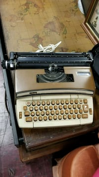 Aintque black and gray typewriter with case Garden Grove, 92841