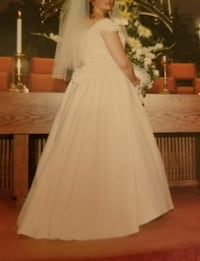 Wedding gown with acc. Spring Hill, 37174
