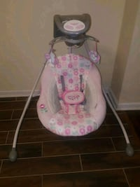 baby's pink and white cradle and swing Oxon Hill, 20745