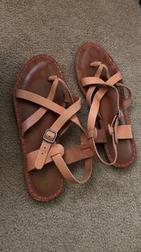 Pair of brown leather sandals North Andover, 01845