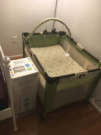 baby  crib playbed Germantown, 20874