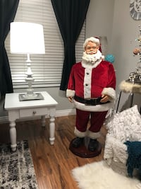 Animated Santa Clause!! Kids will love him!!